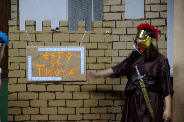 Representación teatral «¡Esto es Troya!»